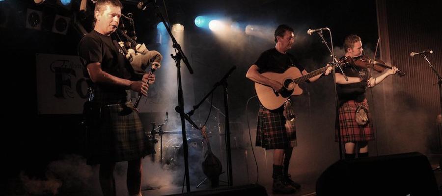 Càrdeiras, Irish Scottish Folk Music